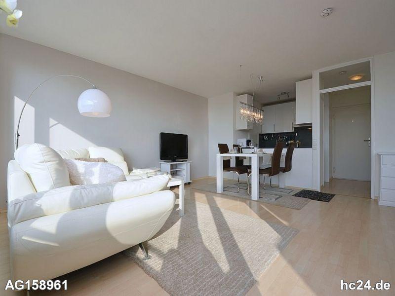 Modern möblierte Wohnung mit Tiefgarage und Balkon in Stuttgart Asemwald